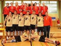 Korbball: Cupfinalsieger/-innen 2010/11, v. o.: Moosseedorf I (Damen), Pieterlen I (Herren)